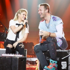 shakira-y-chris-martin-interpretan-chantaje-